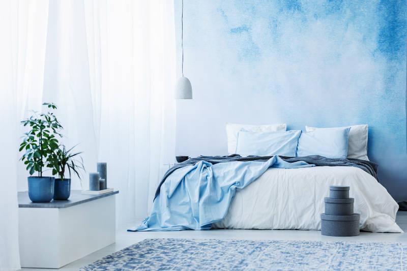 رنگهای آبی دریایی در اتاق و تخت خواب